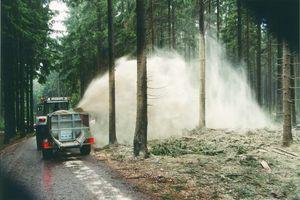 Stöckl Seitenstreuer bei Kalkausbringung für Forstwirtschaft